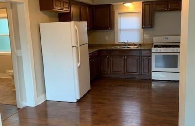 2330 E 42nd St Des Moines Ia Apartments For Rent
