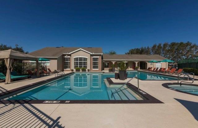 Highpoint Club Apartments - 11100 Point Sylvan Cir, Orlando, FL 32825