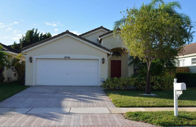 10746 Oak Bend Way - 10746 Oak Bend Way, Wellington, FL 33414