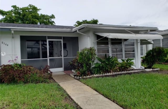 8546 NW 12th St - 8546 Northwest 12th Street, Plantation, FL 33322