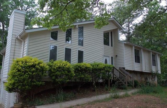 6802 Creekwood Drive - 6802 Creekwood Drive, Douglasville, GA 30135