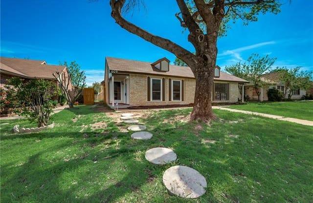 609 Stonehenge Drive - 609 Stonehenge Drive, Grand Prairie, TX 75052