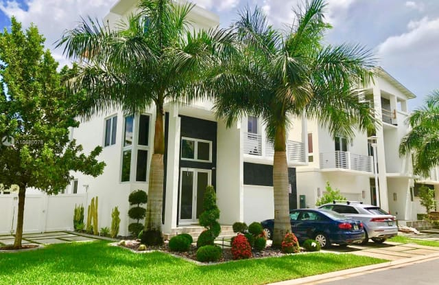 8293 NW 33rd Ter - 8293 Northwest 33rd Terrace, Doral, FL 33122