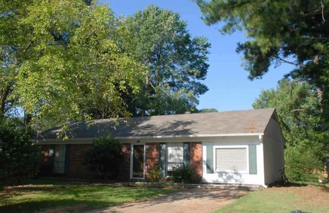 959 GREENCLIFF - 959 Greencliff Road, Collierville, TN 38017