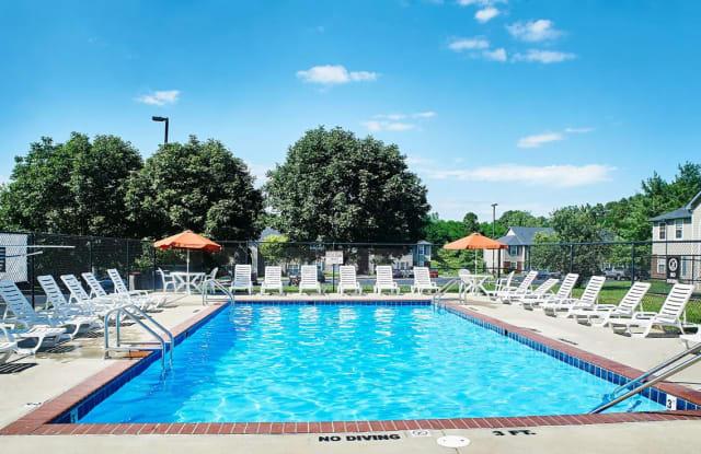 Reserve at Chandler's Glen - 1320 N Arlington Park Dr, Bloomington, IN 47404