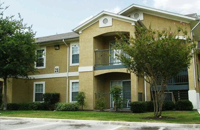Rosillo Creek Apartments - 5239 Eisenhauer Rd, San Antonio, TX 78218