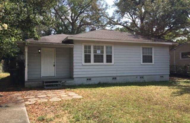 15 Audusson Ave - 15 Audusson Avenue, Warrington, FL 32507