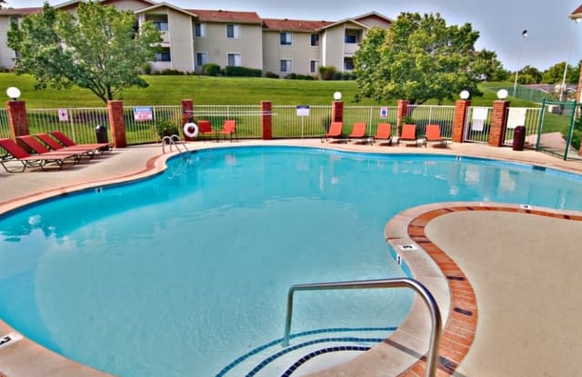 The Villages at Meadowood - 5160 Rice Rd, Nashville, TN 37013