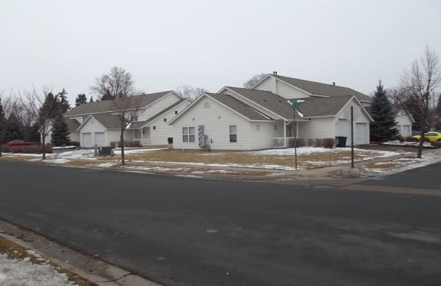 Income Restricted - Farmington Townhomes - 700 8th St, Farmington, MN 55024