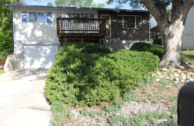 650 Paradise Ln - 650 Paradise Lane, Colorado Springs, CO 80904