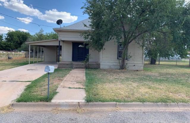 2510 29th St - 2510 29th Street, Snyder, TX 79549