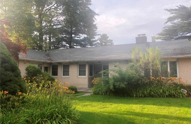 540 Green Pl - 540 Green Place, Woodmere, NY 11598