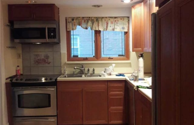 2804 33rd St - 2804 33rd St, Queens, NY 11102