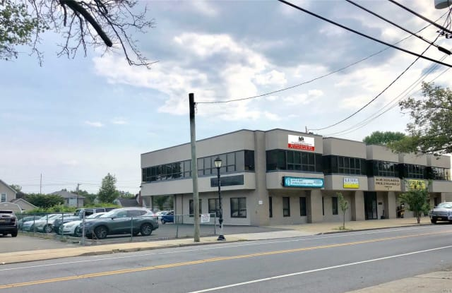 346 Westbury Ave - 346 Westbury Avenue, Carle Place, NY 11514