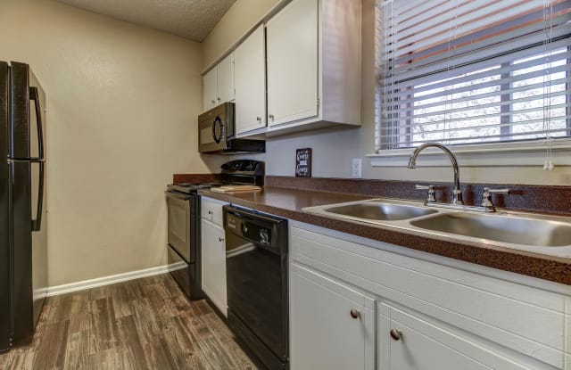 Oak Terrace - 9203 IH-10 West, San Antonio, TX 78230