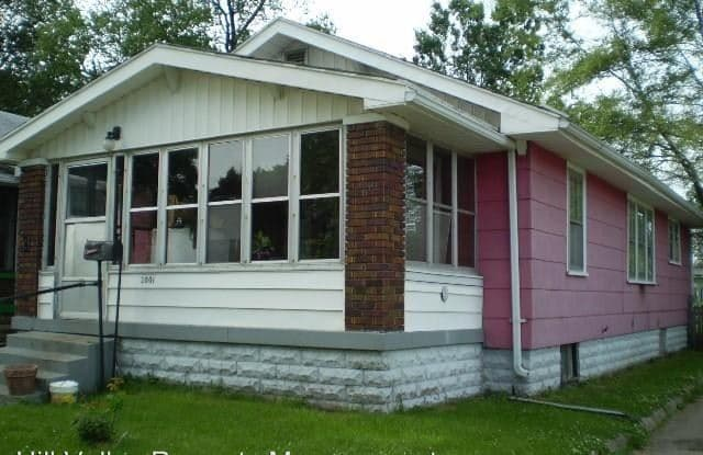 2001 1st Ave - 2001 1st Avenue, Terre Haute, IN 47807