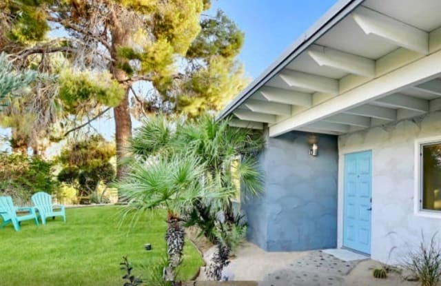 421 N Farrell Dr - 421 North Farrell Drive, Palm Springs, CA 92262