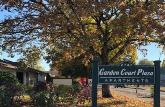 Garden Court Plaza Apartments Forest Grove Or Apartments For Rent