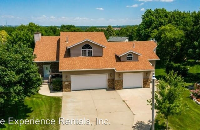 1510 S Raymond Circle - 1510 South Raymond Circle, Sioux Falls, SD 57106