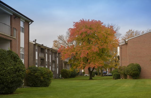 209 at Pickwick Apartments - 3014 Fallstaff Rd, Baltimore, MD 21209