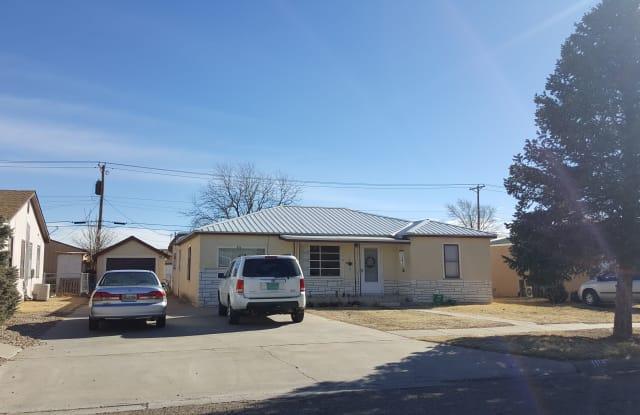 116 N Indio Ave - 116 North Indio Avenue, Portales, NM 88130