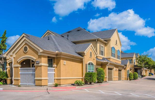 Woodway Village - 4600 Nuckols Crossing Road, Austin, TX 78744