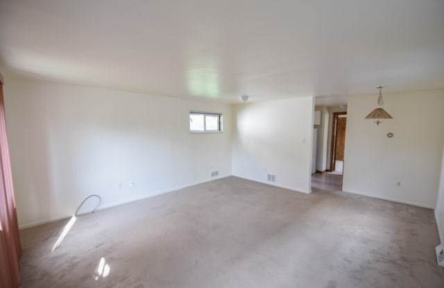 136 Georgetown Ave - 136 Georgetown Avenue, West View, PA 15229