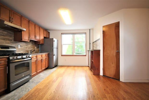 654 Metropolitan Ave - 654 Metropolitan Avenue, Brooklyn, NY 11211
