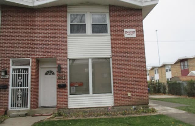2057 Pine Street - 2057 Pine Street, Des Plaines, IL 60018