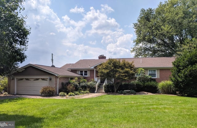 10018 HOPKINS LANE - 10018 Hopkins Lane, Prince William County, VA 20181