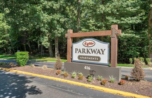 Parkway Apartments - 416 Merrimac Trl, Williamsburg, VA 23185