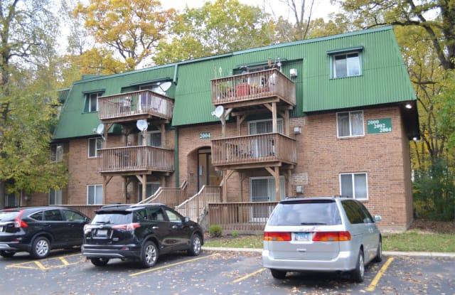 2004 Tall Oaks Drive, 1A - 2004 Tall Oaks Drive, Aurora, IL 60505