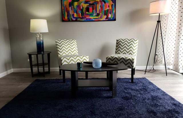 Suncrest Apartments - 9805 E 61st St, Raytown, MO 64133