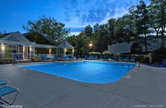 Brookstone Village Apartments - 3515 Brookstone Dr, Cincinnati, OH 45209