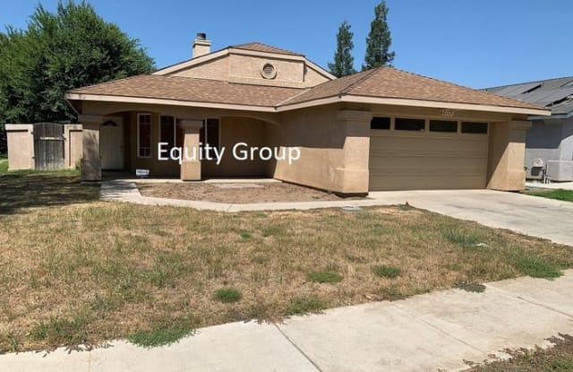 2053 North Steven Avenue - 2053 N Steven Ave, Farmersville, CA 93223