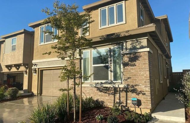 1657 Lion St - 1657 Lion Street, Rocklin, CA 95765