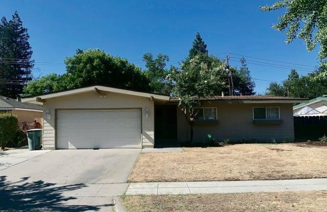 3345 E Pontiac Way - 3345 East Pontiac Way, Fresno, CA 93726