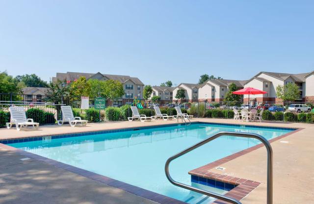 Fairfax Crossing Apartments - 5900 McCain Park Pl, North Little Rock, AR 72117