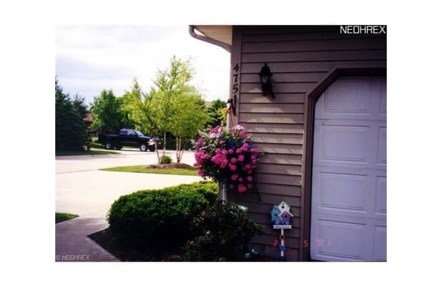 475 Eagle Trace - 475 Eagle Trce, Mayfield Heights, OH 44124