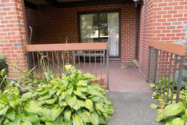 28 Bronxville Glen Drive - 28 Bronxville Glen Drive, Yonkers, NY 10708