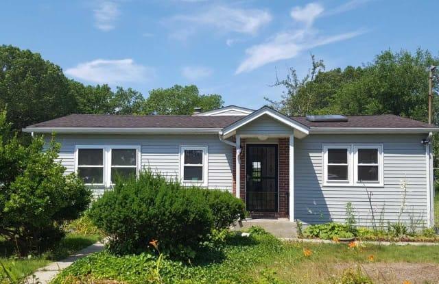 96 Bay Ave - 96 Bay Avenue, Lake Ronkonkoma, NY 11779