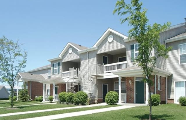 Skyridge Club Apartments - 1395 Skyridge Dr, Crystal Lake, IL 60014