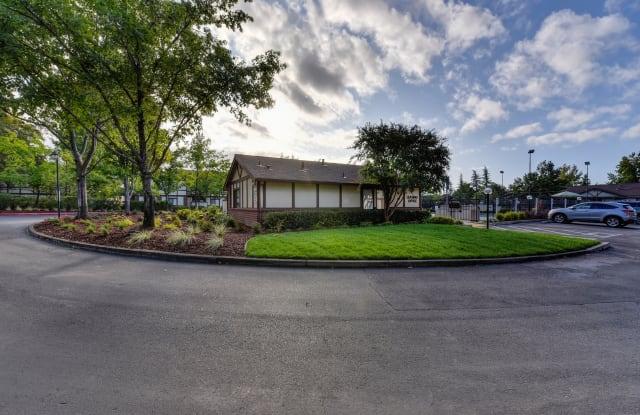 Rocklin Manor - 5240 Rocklin Rd, Rocklin, CA 95677