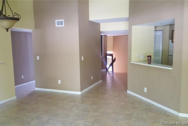 8039 NW 15th Mnr - 8039 Northwest 15th Manor, Plantation, FL 33322