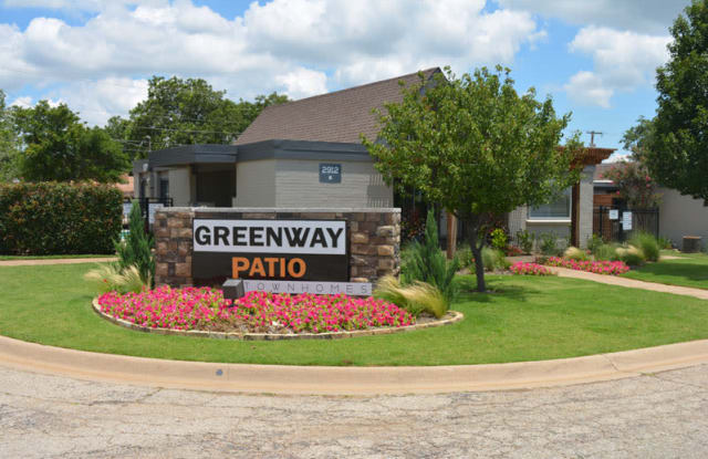 Greenway Patio Townhomes - 2912 Augusta Dr, Denton, TX 76207