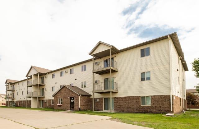 Danbury - 1881 39th St SW, Fargo, ND 58103