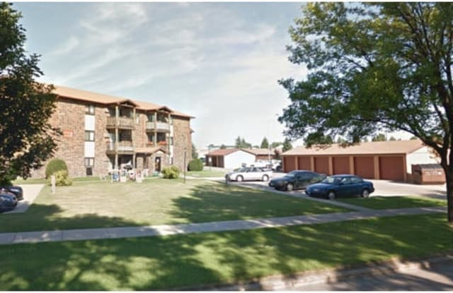 Chandler 1834 - 1834 South 20th Street, Grand Forks, ND 58201
