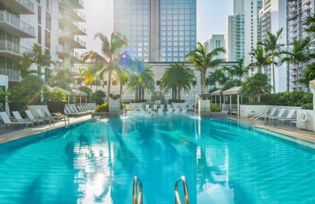 Monarc - 201 SE 2nd Ave, Miami, FL 33131