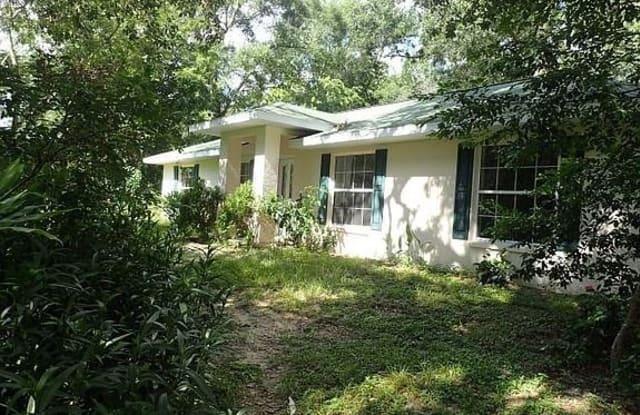 132 N Hawthorne Dr - 132 North Hawthorne Drive, Inglis, FL 34449
