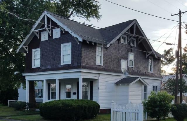 135 S 4th Street - 135 South 4th Street, Clinton, IN 47842